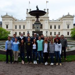The 2019 UVA in Sweden group in front of Lund University's main building, Universitetshuset.